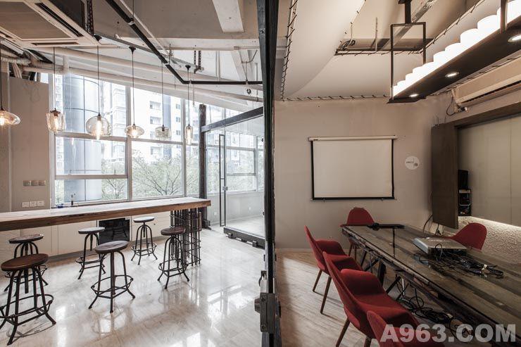 看得见风景的房间,你可以用这部文艺电影片名来定义空间印象办公室.